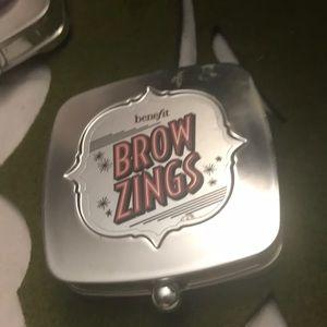 Benefit Brow Zings
